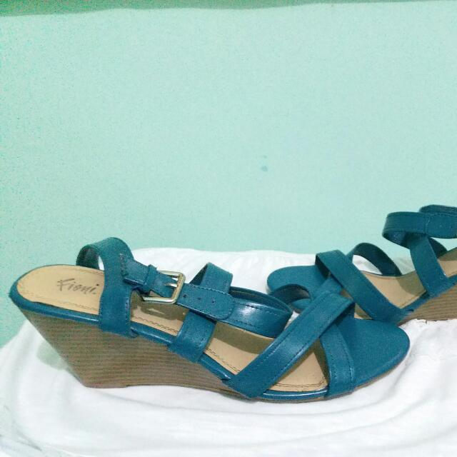 Preloved Fioni Sandals SIZE 11