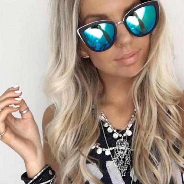 eab364288918 Quay My Girl Sunglasses - Blue/Black, Women's Fashion, Accessories on  Carousell