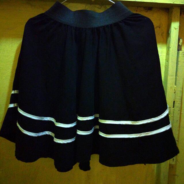 Rok/ Skirt Hitam