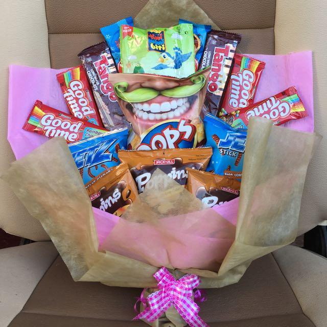 Snack Bucket Untuk Surprise Wisuda,Birthday,dll