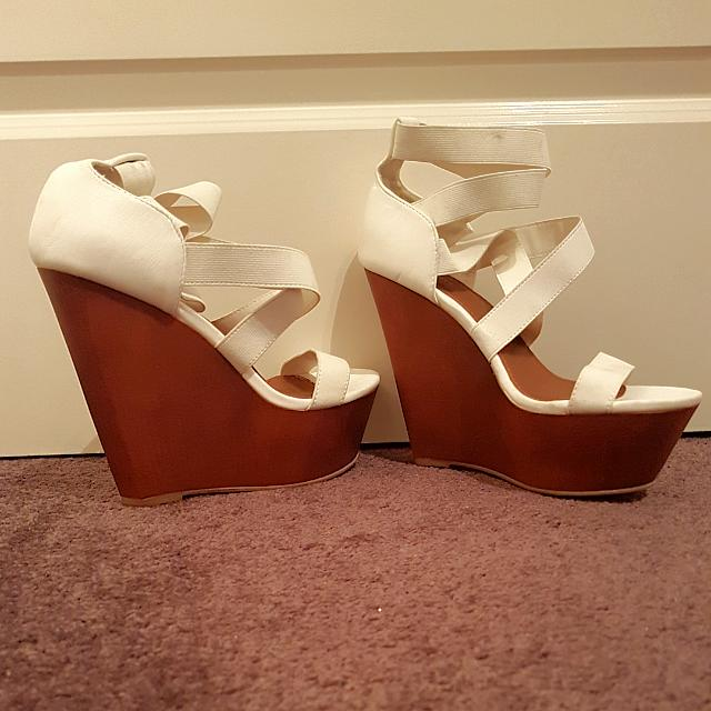New Size 8 White And Brown Strappy Wedges