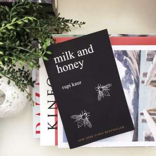 💜 milk and honey, by Rupi Kaur
