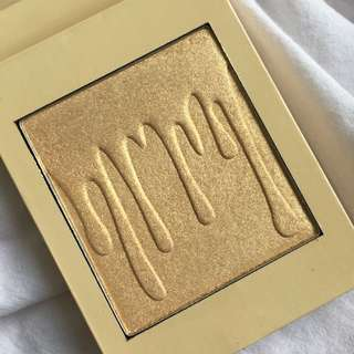 Kylie Cosmetics Kylighter In Banana Split