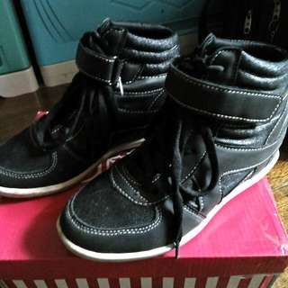 Reoriced! Sneaker Wedge for Girls(preloved)