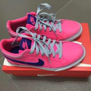 BN Nike Sneakers - Size 6.5