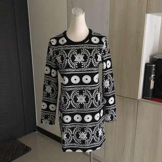 99 元 民俗圖騰 時尚 短洋裝