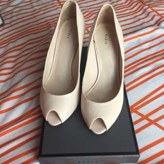 Pedro Nude Wedges Size 37
