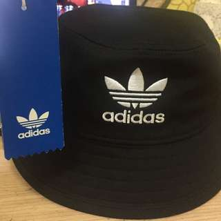 adidas漁夫帽