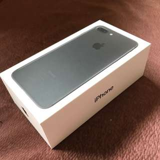 iphone 7 plus (as good as new)