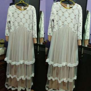 Dress Putih Queenalabels