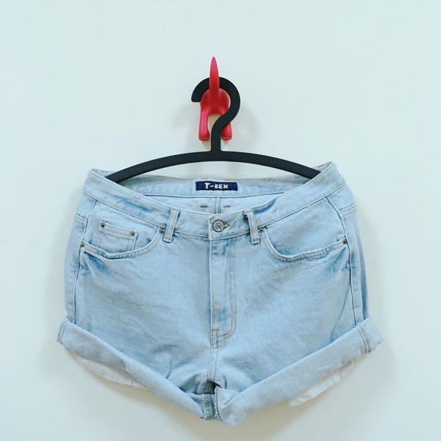 寬腰版牛仔短褲
