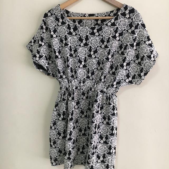 Black & white Vintage Floral short Dress