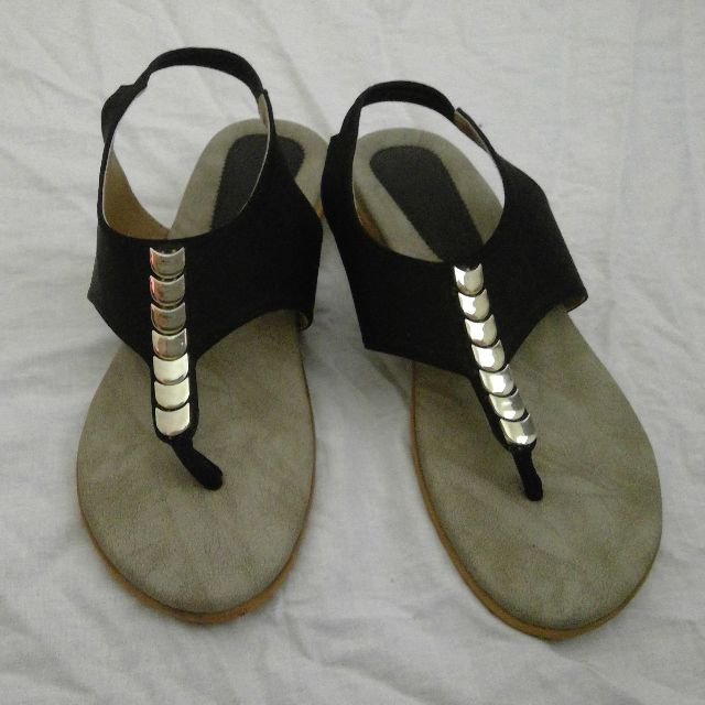 Black and gold thong style shoes