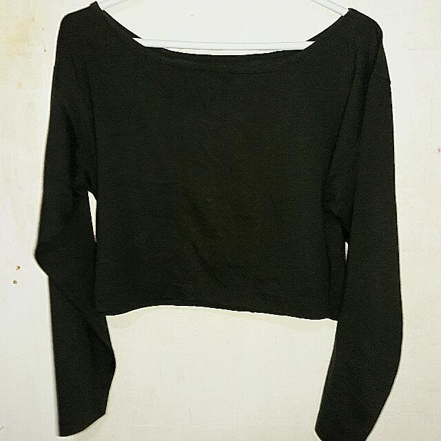 Black Long Sleeved Crop Top