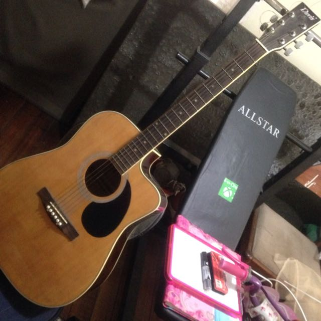 Davis Acoustic Guitar Music Media Music Instruments On Carousell