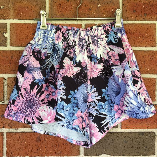 Floral Print Elastic High Waist Shorts