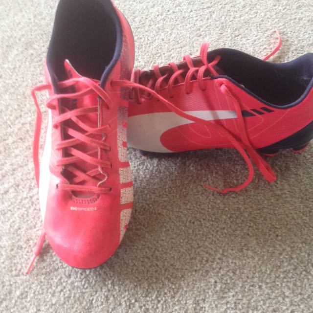 Girls Puma Soccer Boots