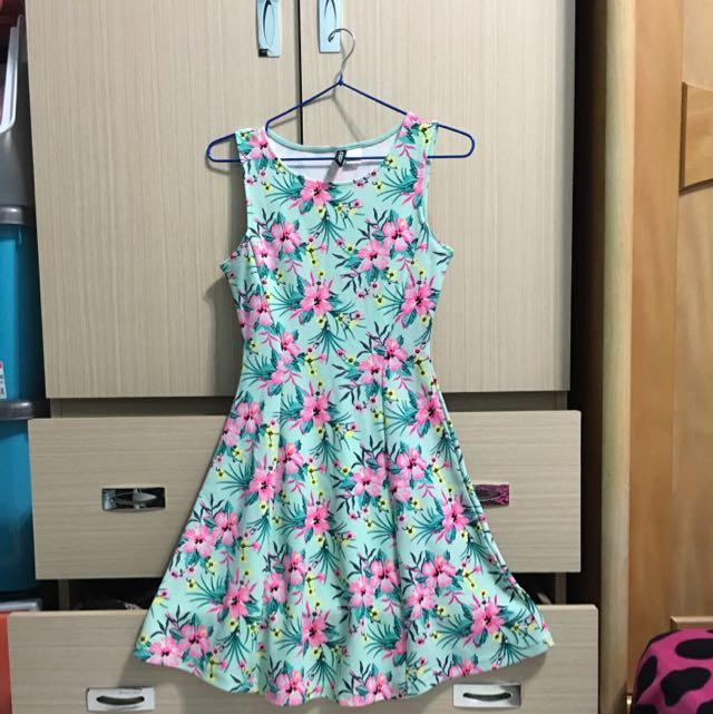 降價 H&M 花花洋裝