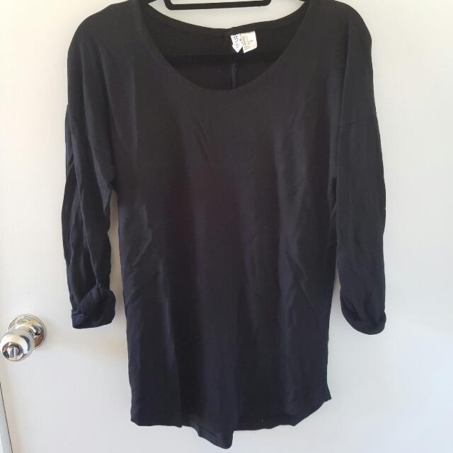 H&M Black 3/4 Sleeve Top