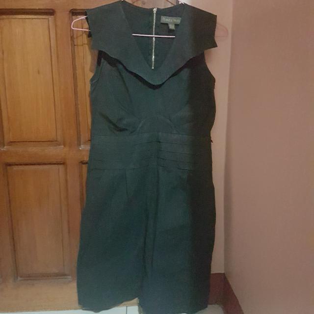 Plains & Prints Black Sleeveless Dress