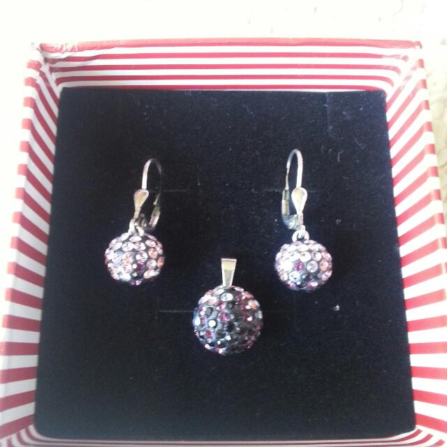 REDUCED PRICE to $40 from $50. Gorgeous #brandnew jewellery sterling #silver set with #swarovski #crystals. Never worn #earrings #pendant