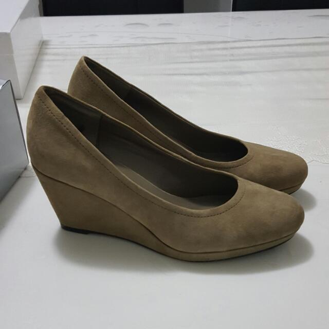Sandler Stone Color Shoes Wedges