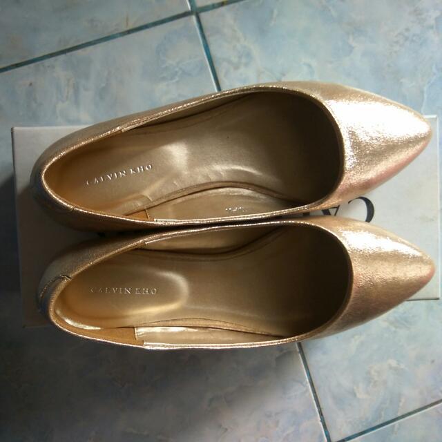 Sepatu Gold Calvin Kho Uk.36