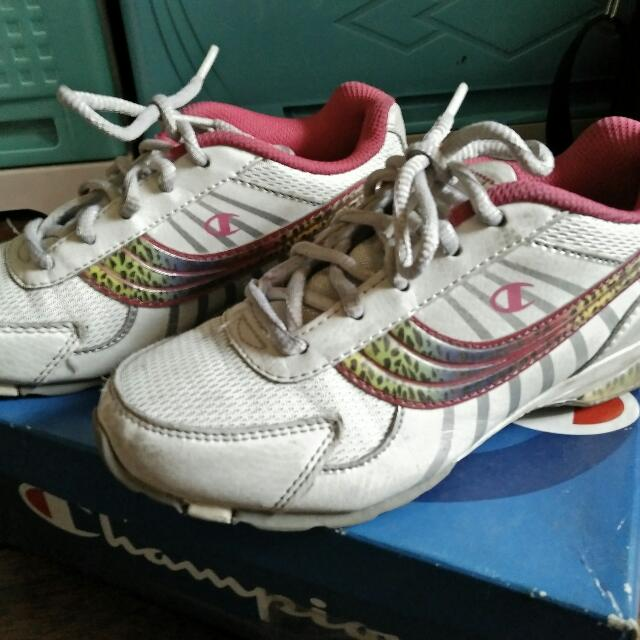 Repriced! Champion Orig Shoes