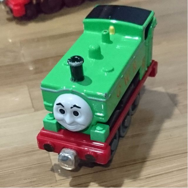 7fef30c9a67fd4 THOMAS AND FRIENDS DIECAST MAGNETIC ENGINE- DUCK
