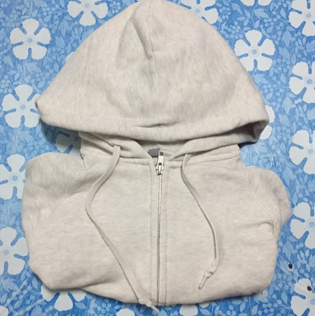 uniqlo jacket with hood
