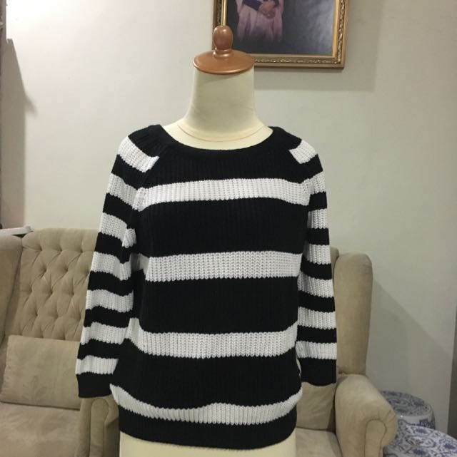 ZARA KNIT TOP   USED ONCE!!!