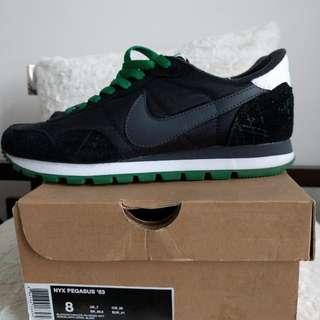 Barely worn Men's Nike Pegasus Runners Size 8