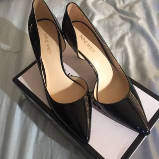 Nine West Black Herls