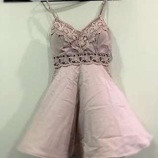 10% Off!! Mooloola Dress size 6 Ladies