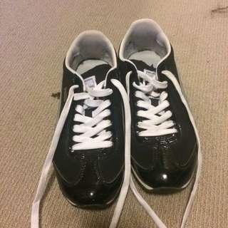 Puma Shoes Size 8