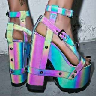 REDUCED New YRU Nightcall reflective size 8