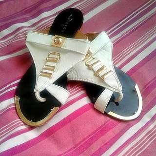 Mirrou Sandals