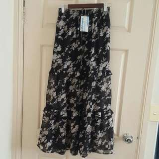 Long Floral Skirt. Size 8