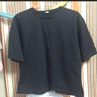 黑色素色T恤
