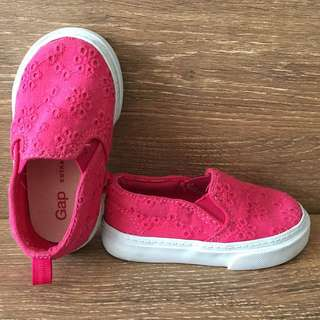 Baby Gap hot pink eyelet shoes