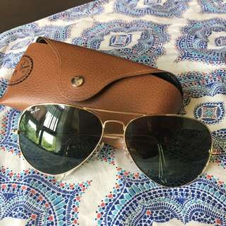 SOLD-Authentic Rayban Aviator