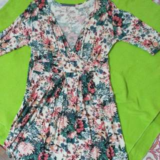 Maldita Menor Floral Dress