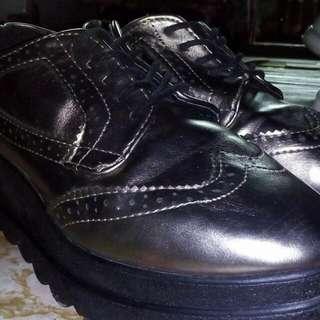 Korean Wedge Shoes (Selling/Trade)
