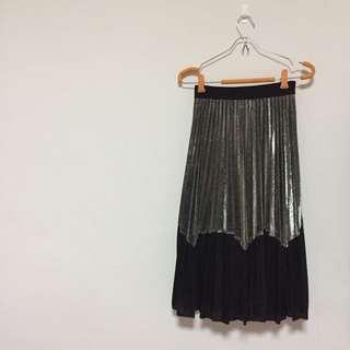 全新金屬亮澤感橄欖綠拼接黑色下擺性感微透百褶裙百摺裙