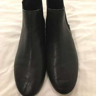 $50 Windsor Smith Black Leather Boots