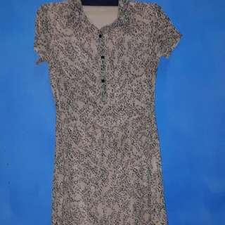Dress Mint.selutut.warna Coklat.size 8..good Condition