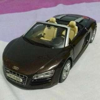 Maisto Audi R8 1/24