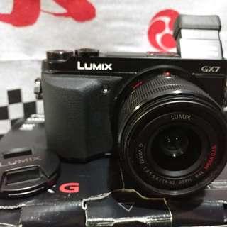 Kamera Mirrorless Panasonic Lumix GX7 Body Lens Kit