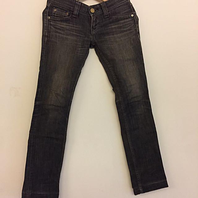 鐵灰牛仔褲(六月份同價格買一送一)