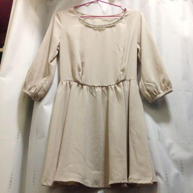 裸膚色洋裝